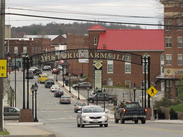 farmville-virginia-affordable-small-sunny-town