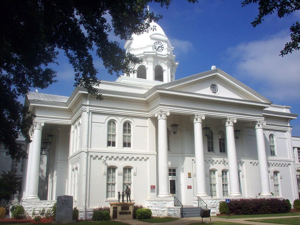 tuscumbia-alabama-affordable-small-sunny-town